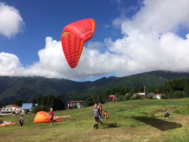 キャンプ二日目・パラグライダー3