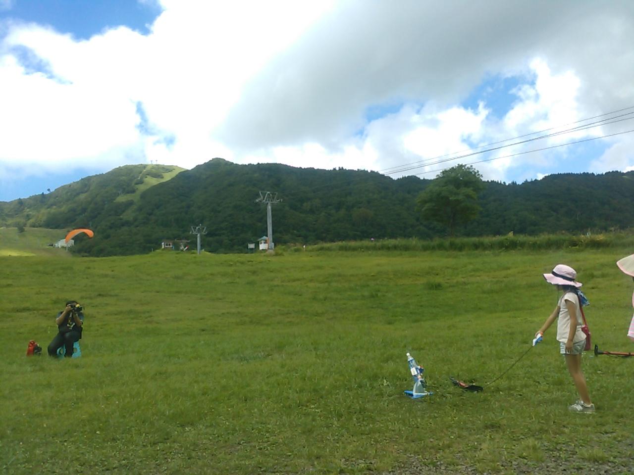 キャンプ二日目午後・ペットボトルロケット3