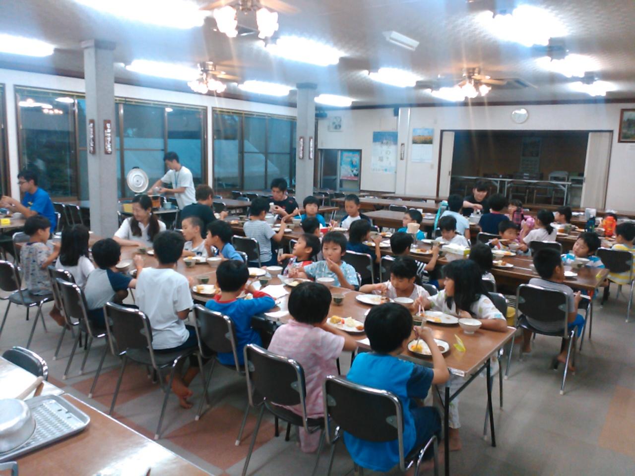 サマーキャンプ1日目・夕食4