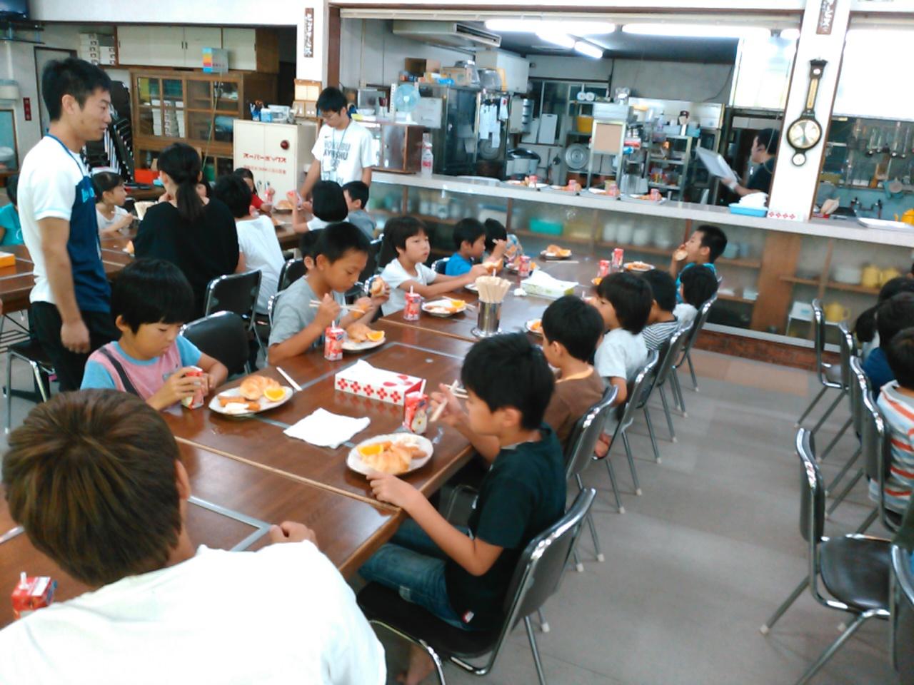 サマーキャンプ2日目午前・朝食1