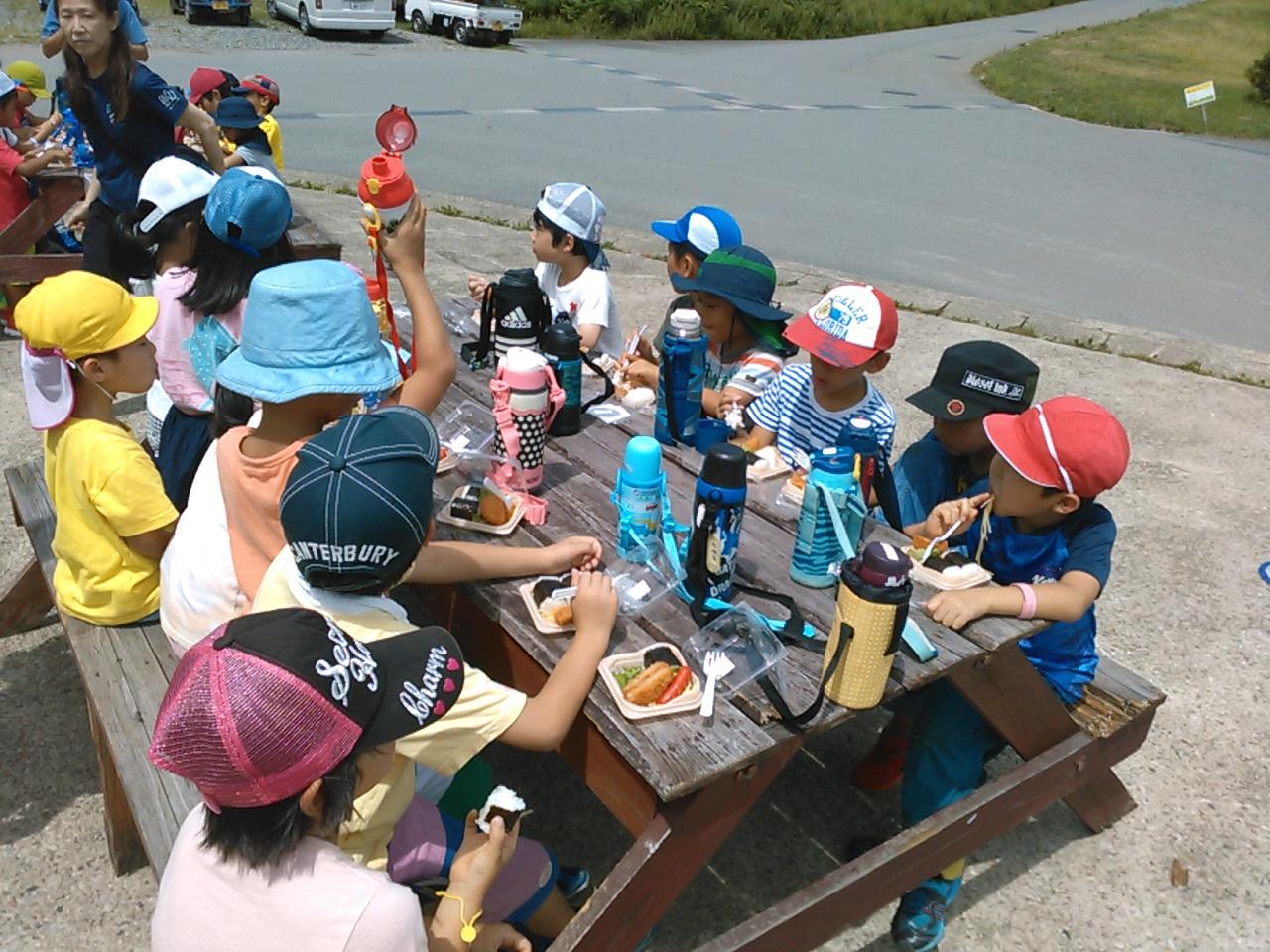 サマーキャンプ2日目午前・昼食1