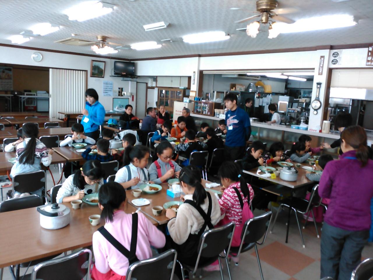 スキーキャンプ1日目・昼食1