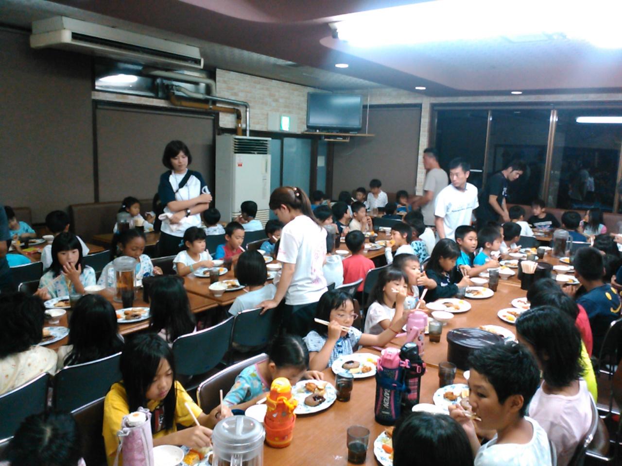 サマーキャンプ1日目・夕食1