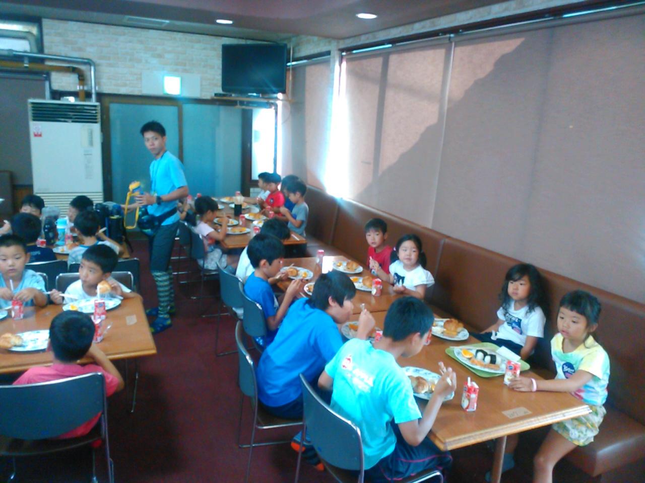 サマーキャンプ2日目・朝食1